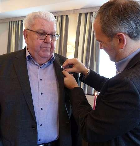 Silberne Ehrennadel für Herrn Roland Morlok
