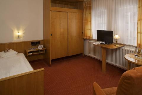 Nebenhaus Einzelzimmer normal